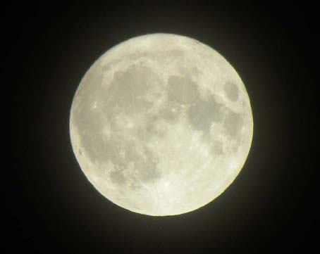 110320_superfullmoon_2s