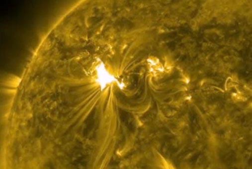 120306_solarflare_nasa_1s